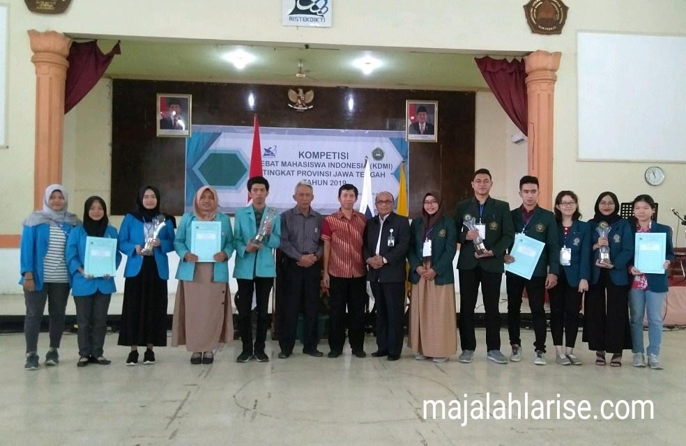 Kompetisi Debat Mahasiswa Indonesia (KDMI)